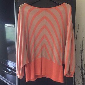 Beautiful 3/4 Sleeve Sweater/Top - 100% Viscose